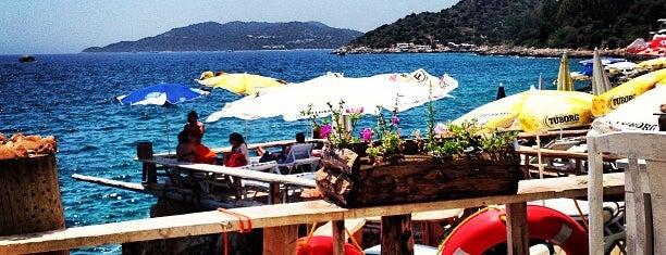 Asmaaltı Cafe & Bar is one of kas.