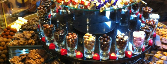 Kahve Dünyası is one of Restaurants.