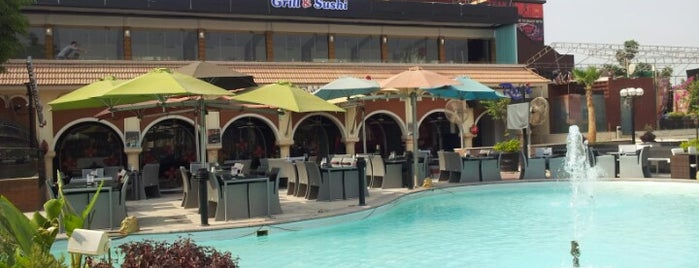 The Oasis Food Court is one of Egypt Best Food Courts.
