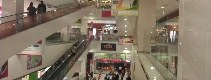LOTTE Mall is one of Malls in Jabodetabek.
