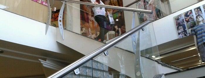 Visual Fashion Shop is one of Lojas.