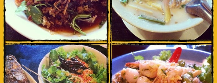 Baan Puengchom is one of Favorite Food.
