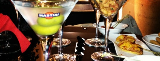 Dolce & Gabbana Martini Bar is one of Еда На Forever..)!)$!)))!)))$)!)).
