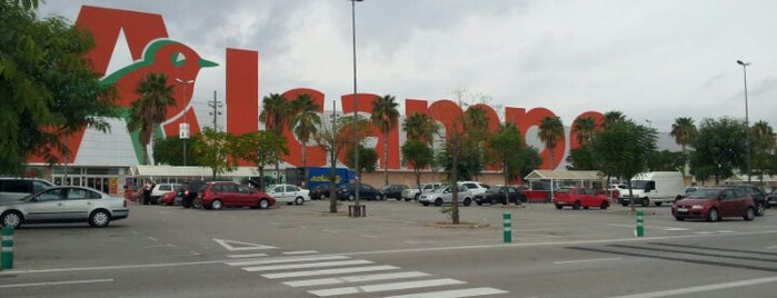 Alcampo is one of Centros Comerciales.