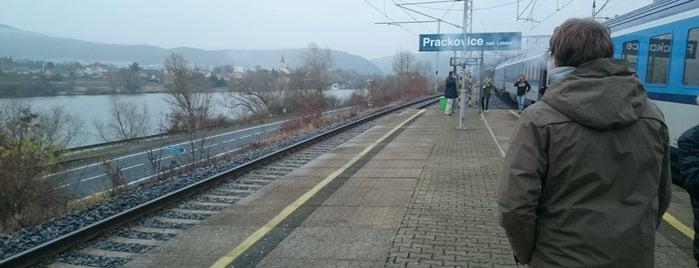 Železniční stanice Prackovice nad Labem is one of Linka U4 Ústí - Lovosice - Roudnice - Hněvice.