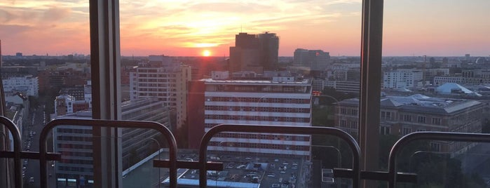 Solar Skybar Lounge is one of Berlin.