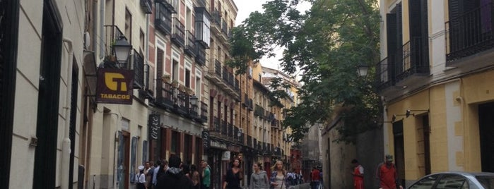 Calle de la Cava Baja is one of Terrazas Madrid.