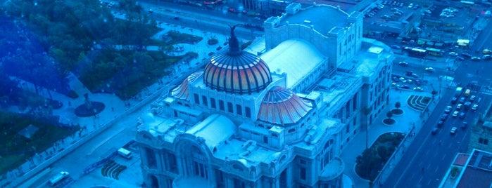 Torre Latinoamericana is one of DF (La lista de mis ojos, paladar y oidos).