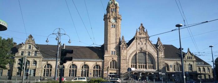 Krefeld Hauptbahnhof is one of Bahnhöfe Deutschland.