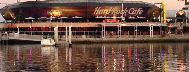 Hard Rock Cafe Miami is one of Bar.