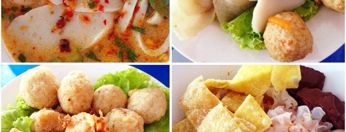 ก๋วยเตี๋ยวปลา รุ่งอรุณ is one of ตะลอนชิม.
