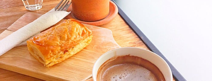 Puff & Pie is one of ╭☆╯Coffee & Bakery ❀●•♪.。.