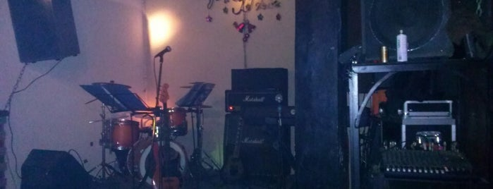 Polygon Cafe is one of Venues in Hanoi for live music.
