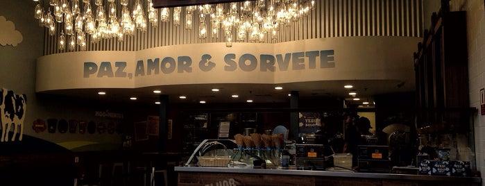Ben & Jerry's is one of Melhores Confeitarias, Padarias, Cafés do RJ.