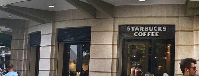 Starbucks is one of Centro / Lapa.