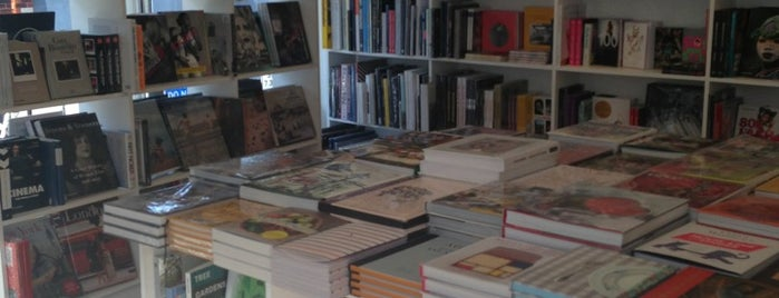 Artwords Bookshop is one of A Weekend in the City of London.