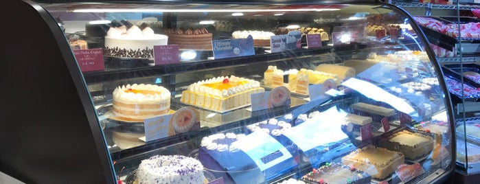 The 11 Best Places for Birthday Cakes in Houston