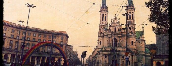 Plac Zbawiciela is one of wawA.