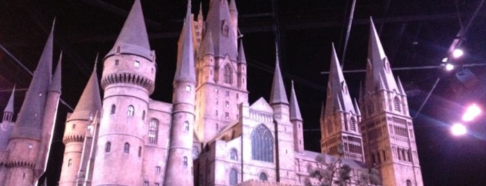 Hogwarts School is one of Dreamlands.