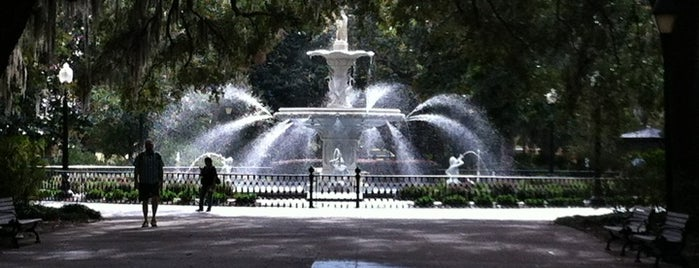 Forsyth Park is one of Travel Guide to Savannah.