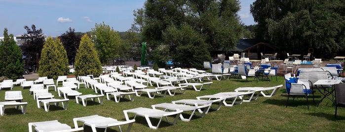 Белый пляж is one of Resorts))).
