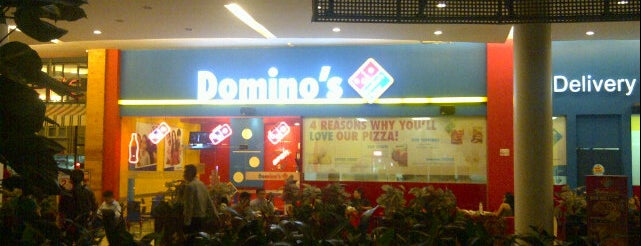 Domino's Pizza is one of Cemal Cemil Resto.