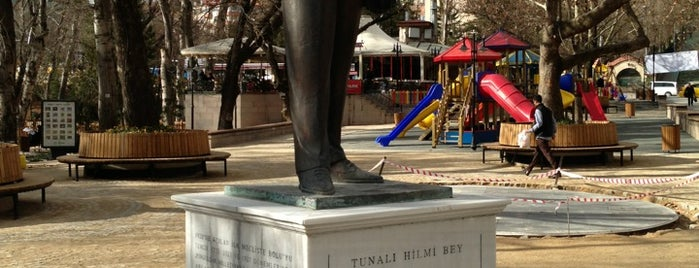 Tunalı Hilmi Bey Heykeli is one of Özledikçe gideyim - Ankara.