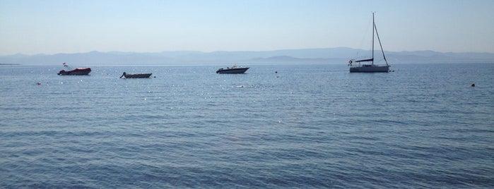 Derinn Cafe & Beach is one of doğallık..