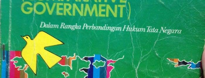 Perpustakaan Fakultas Hukum UNTAR is one of Bookworm Bender Badge.
