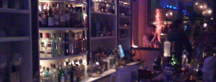 Jingo is one of Volos Top Cafe-Bar's.