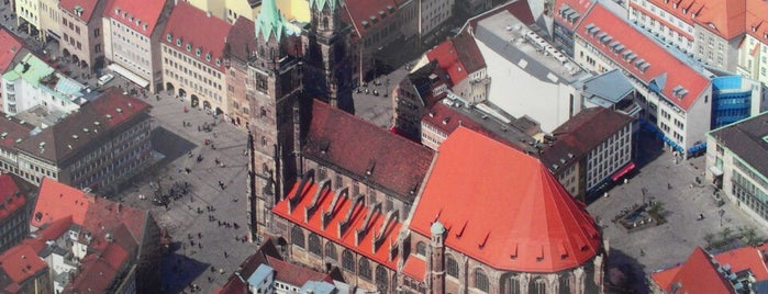 Lorenzer Platz is one of Nuremberg's favourite places.