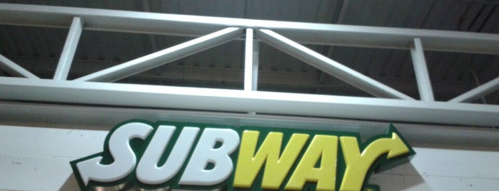 Subway is one of Dicas.
