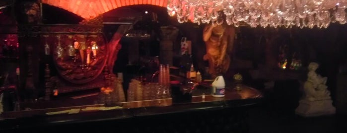 Medusa Lounge is one of LA to dos.