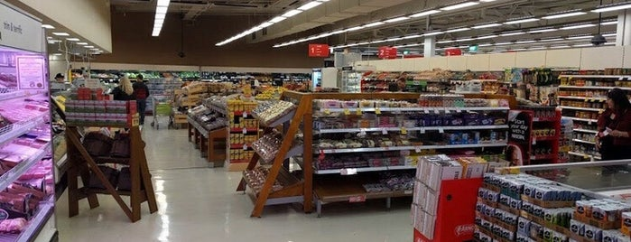 Coles Kilkenny is one of Favorite Places.