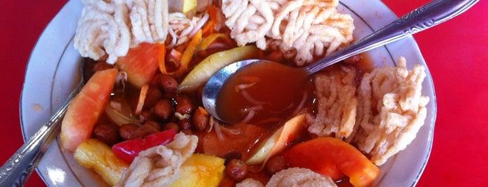 Asinan Sedap Gedung Dalam is one of Must-visit Food in Bogor.