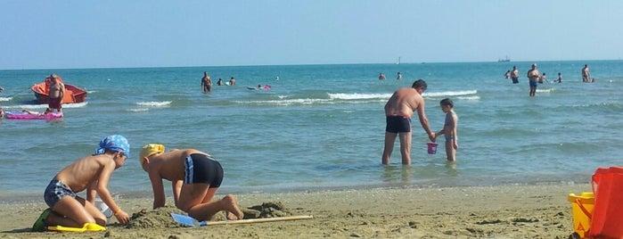 Marina Di Venezia Beach is one of Пляжи италии.