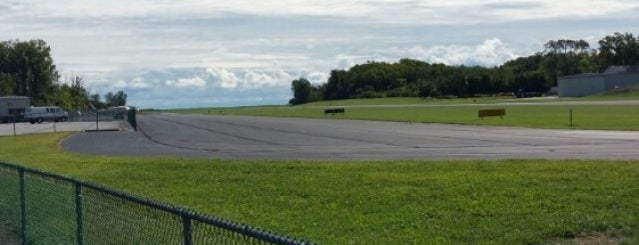 Middle Bass Island Airport (3T7) is one of Airports in Ohio.