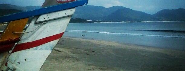 Praia de Garopaba is one of Rosa e Garopaba.