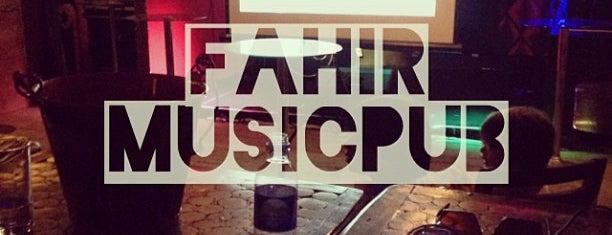 Fahir MusicPub is one of Bares e Restaurantes.