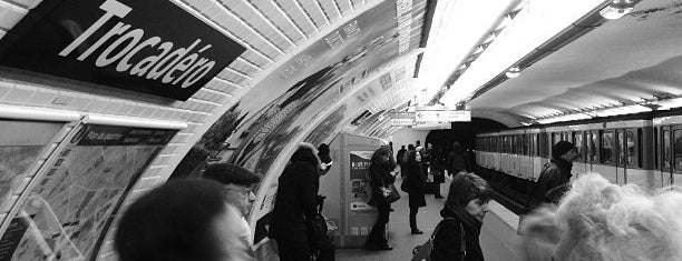 Métro Trocadéro [6,9] is one of Stations de metro a Paris.