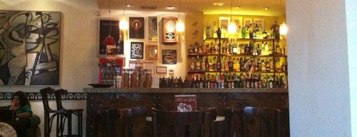 Café De Las Luces is one of Cafeteo con encanto en Valencia.
