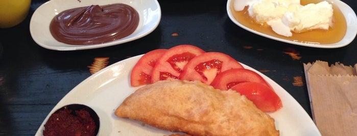 Pişi Breakfast & Burger is one of İstanbul Yeme&İçme Rehberi - 2.