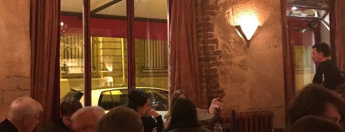 Le Petit Italien is one of Paris Favorites.