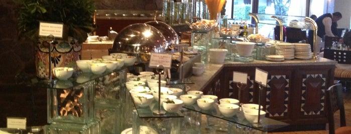 La Fonda Restaurante Marriott is one of Comidita rica en Puebla.