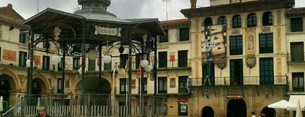 Plaza de los Fueros is one of Lugares interesantes en Tudela y Ribera.