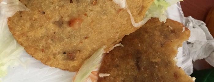 Las de la Cruz Gorditas is one of Comer en Querétaro.