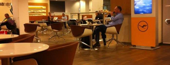 Lufthansa Business Lounge B Ost is one of Lufthansa Lounges.
