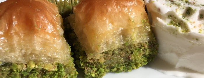 Emmoğlu Baklava is one of myFavorite.