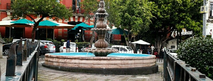 Plaza San Jacinto is one of Lugares que me encantan.