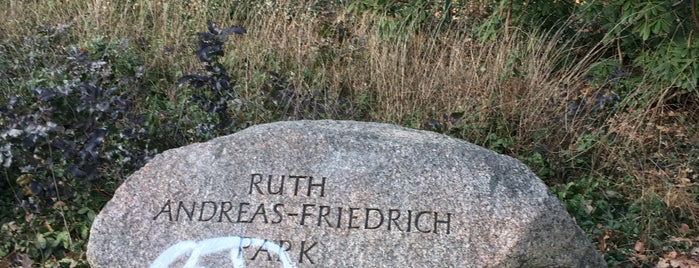 Ruth-Andreas-Friedrich-Park is one of Berlin parks.